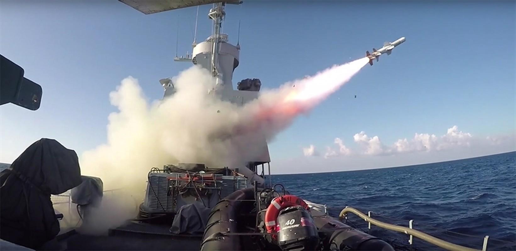 Hai quan Israel cung tau chien Sa'ar-5 san sang tinh huong bi Hezbollah tan cong-Hinh-3