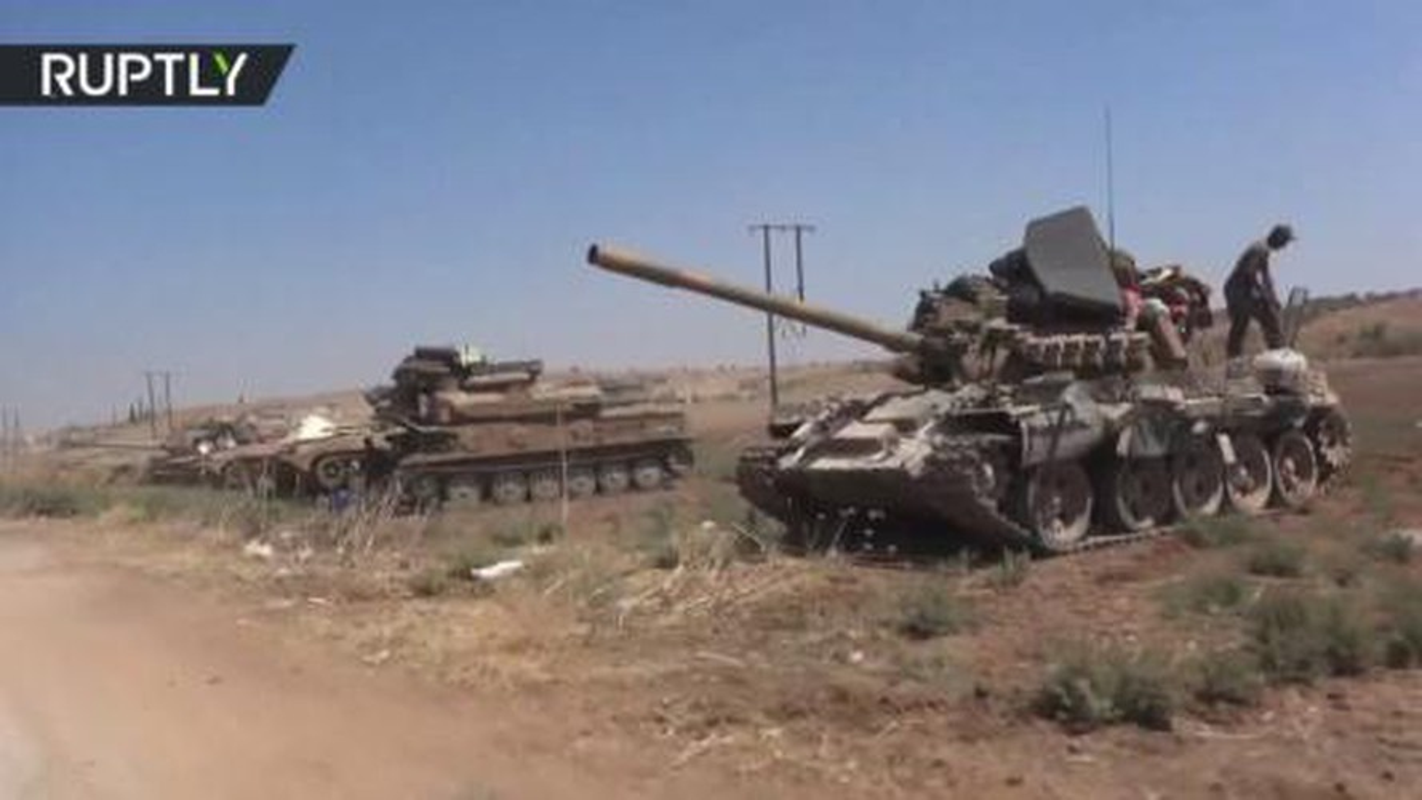 Quan doi Syria mo cuoc tan cong lon doc theo chien tuyen Nam Idlib-Hinh-14