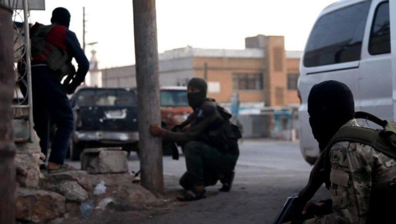 Quan doi Syria mo cuoc tan cong lon doc theo chien tuyen Nam Idlib-Hinh-8