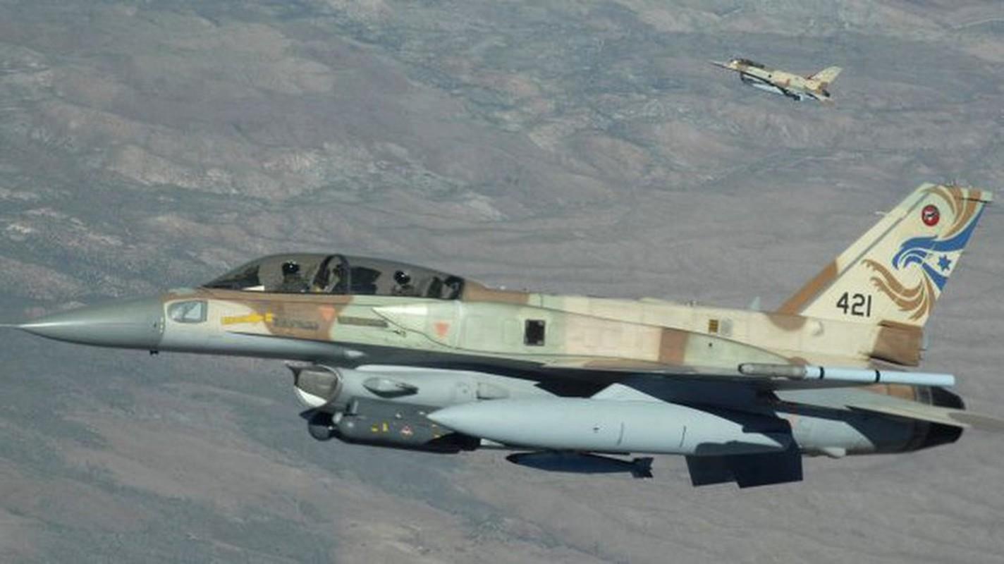 Khong quan Israel tan cong du doi Damascus dap tra phong khong Syria ban F-16-Hinh-12