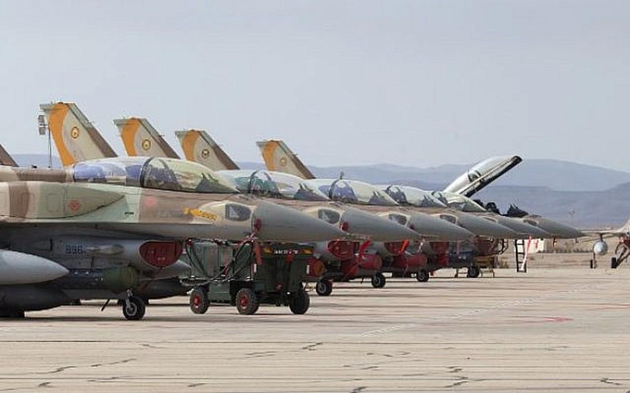 Khong quan Israel tan cong du doi Damascus dap tra phong khong Syria ban F-16-Hinh-3