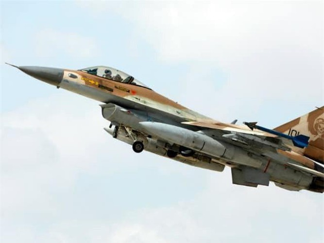 Khong quan Israel tan cong du doi Damascus dap tra phong khong Syria ban F-16-Hinh-5