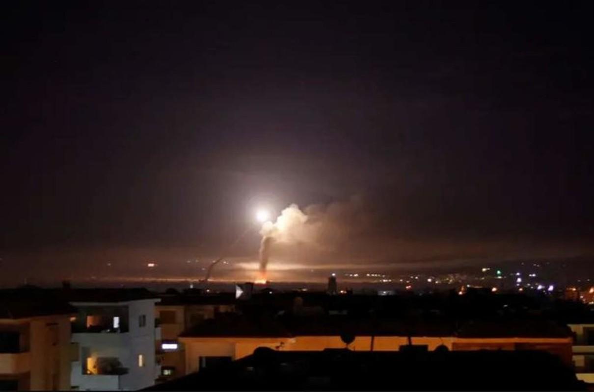 Hon 30 tuong Syria thoat chet, may bay Nga xuat kich lung phien quan-Hinh-3