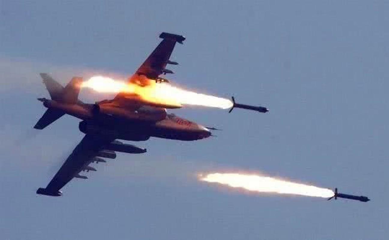 Hon 30 tuong Syria thoat chet, may bay Nga xuat kich lung phien quan-Hinh-7