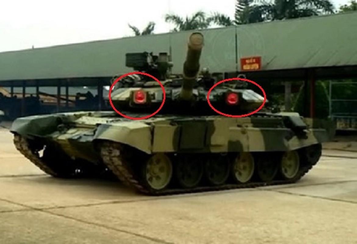Lan dau tien xe tang T-90 Viet Nam xuat hien voi