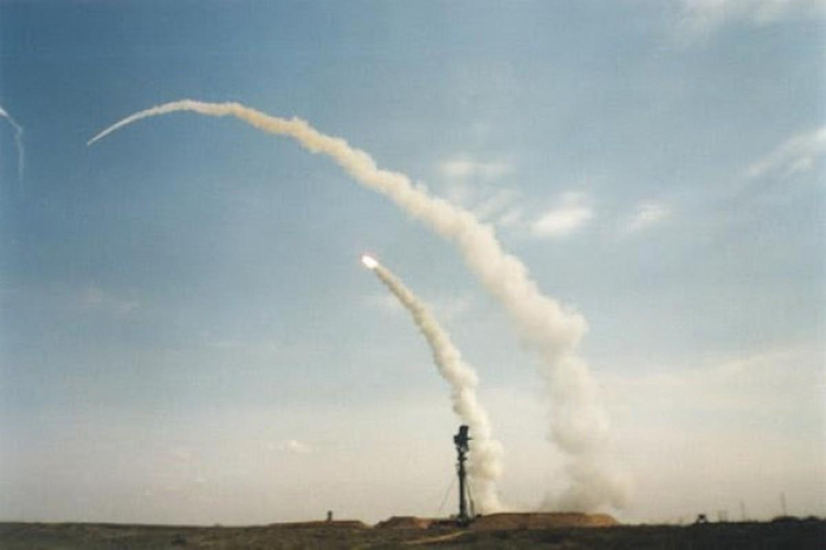 Het kien nhan voi ten lua S-300, Syria che bai khong thuong tiec-Hinh-8