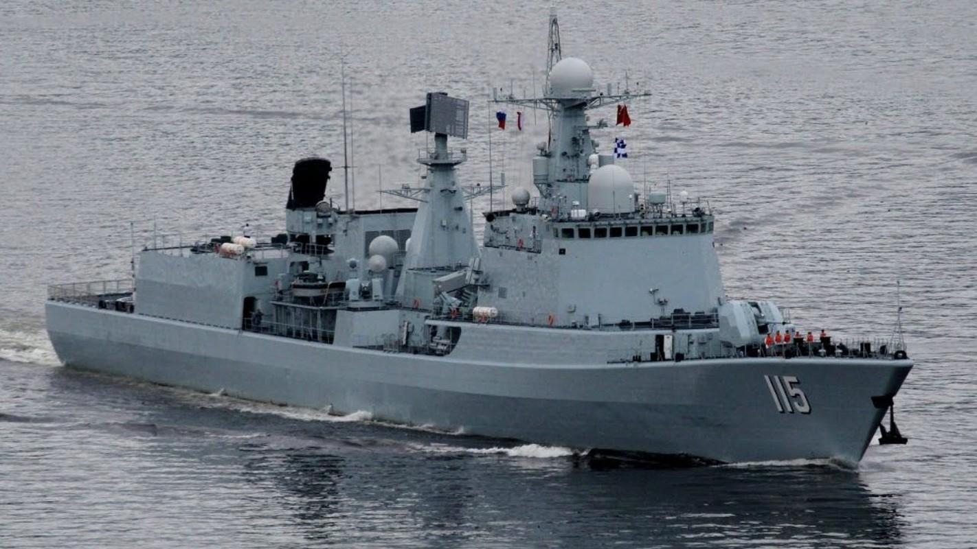 Tau USS Rafael Peralta cua My ap sat vung bien Trung Quoc tap tran-Hinh-2