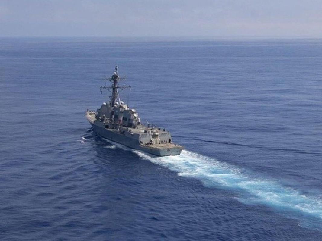 Tau USS Rafael Peralta cua My ap sat vung bien Trung Quoc tap tran-Hinh-6
