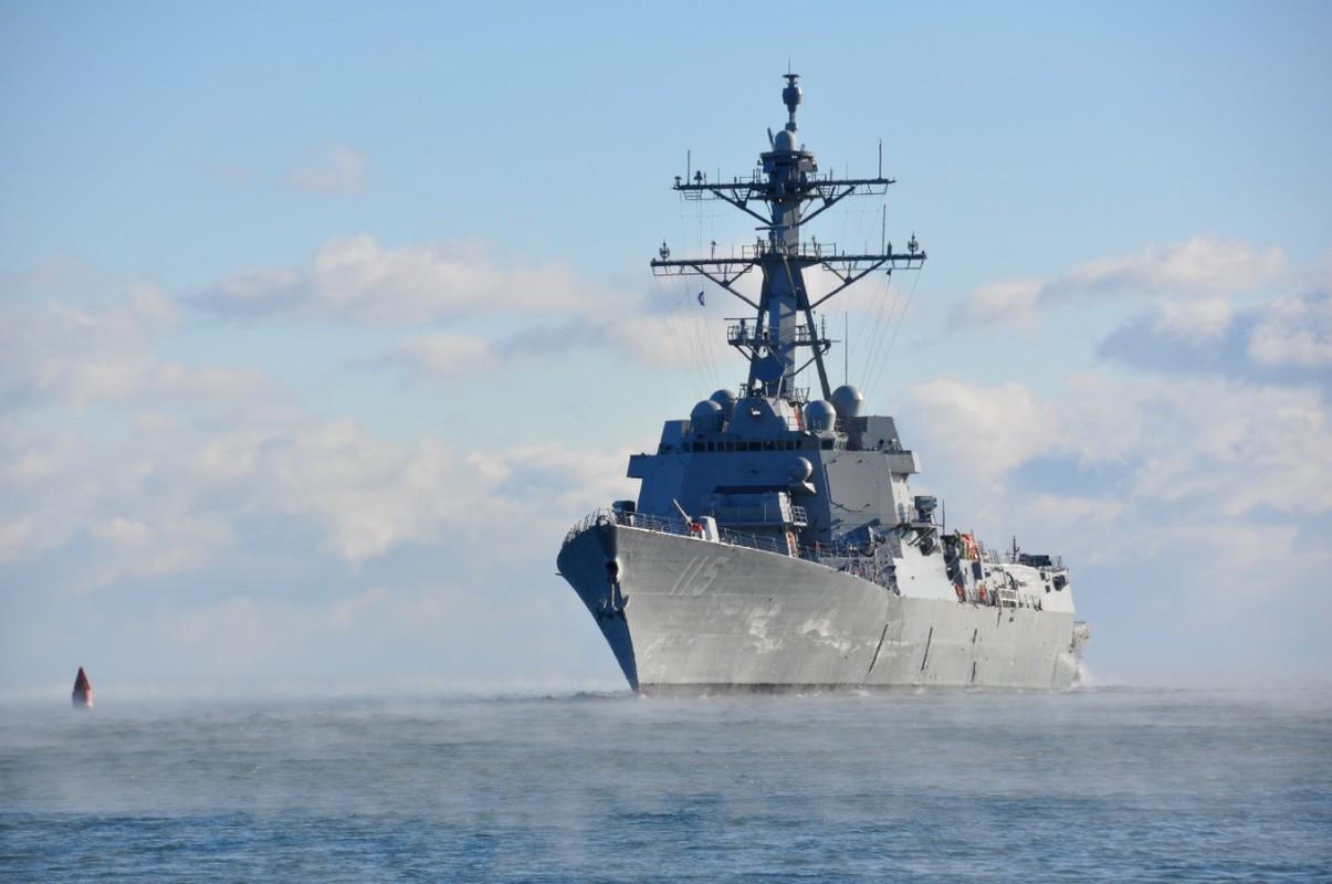 Tau USS Rafael Peralta cua My ap sat vung bien Trung Quoc tap tran