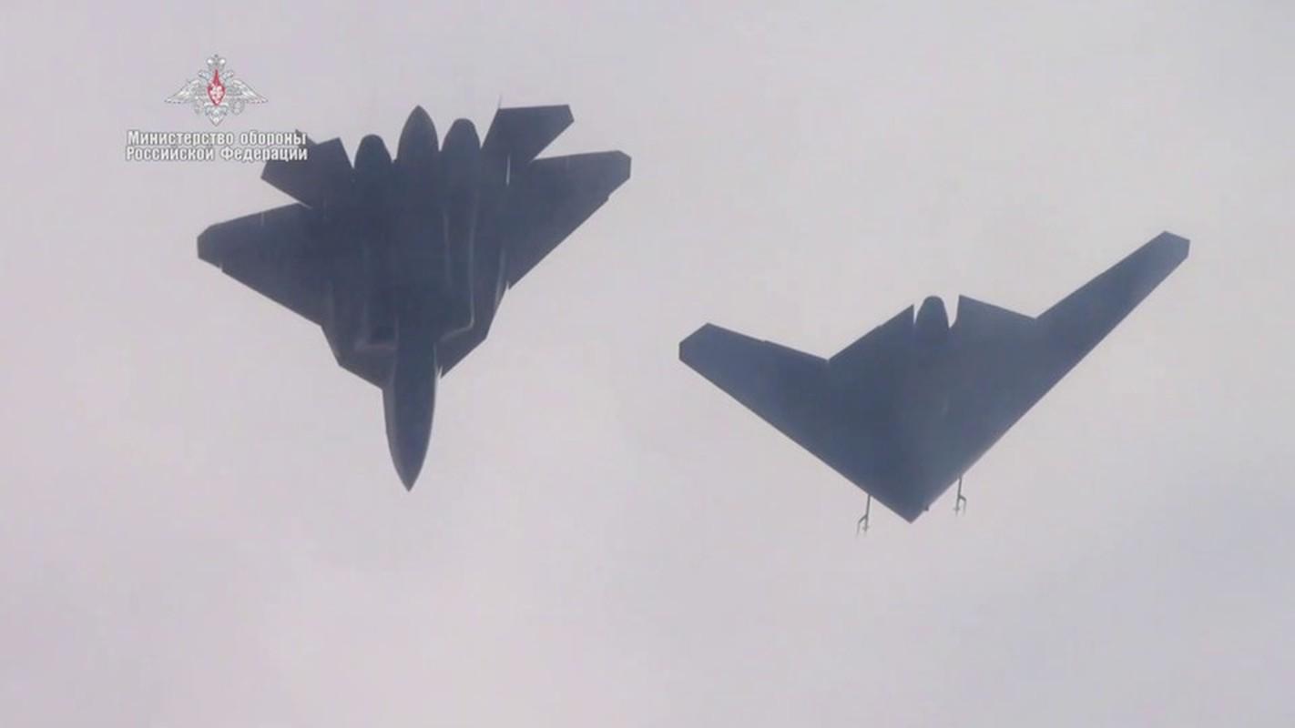 Chua hoan thien duoc Su-57, Nga da lai thu nghiem chien dau co the he 6-Hinh-6