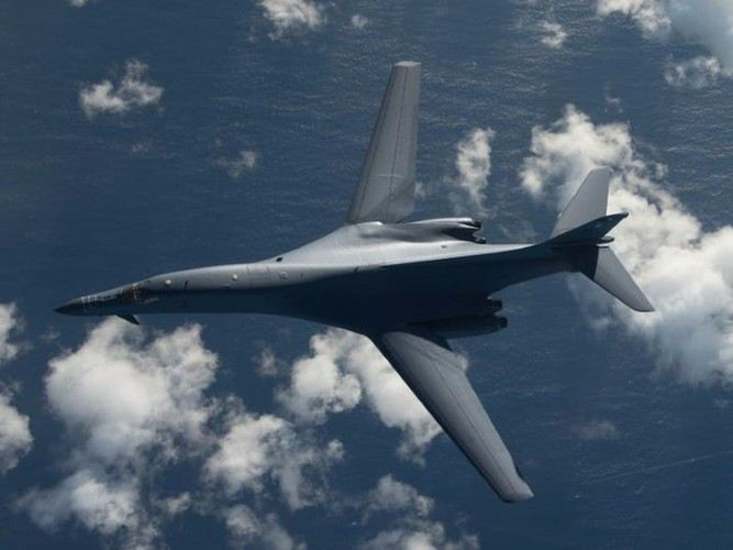 Nhiem vu dac biet cua may bay nem bom B-1B Lancer khi den Bien Dong-Hinh-15