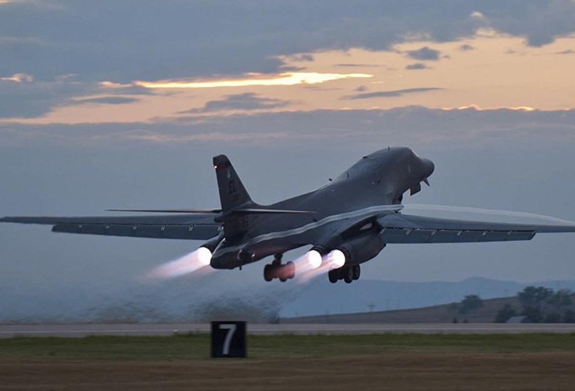 Nhiem vu dac biet cua may bay nem bom B-1B Lancer khi den Bien Dong-Hinh-16