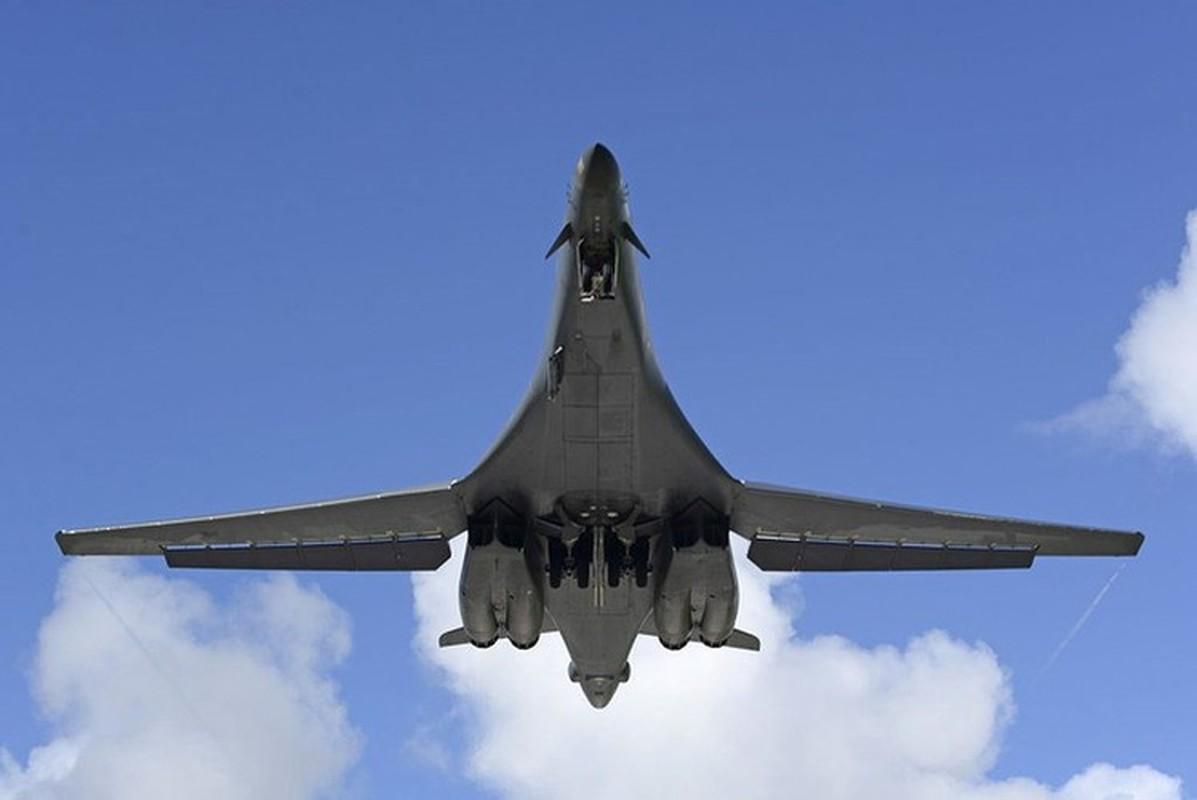 Nhiem vu dac biet cua may bay nem bom B-1B Lancer khi den Bien Dong-Hinh-4