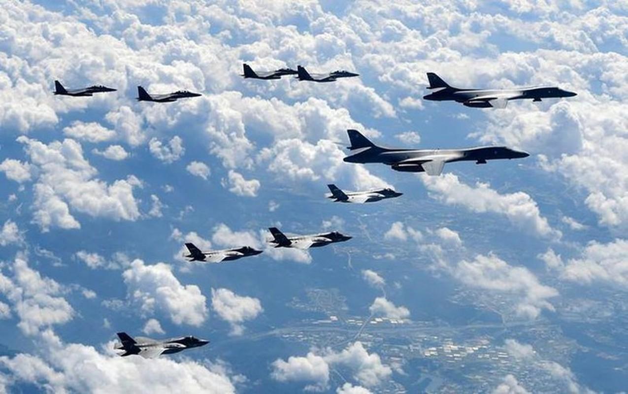 Nhiem vu dac biet cua may bay nem bom B-1B Lancer khi den Bien Dong-Hinh-7