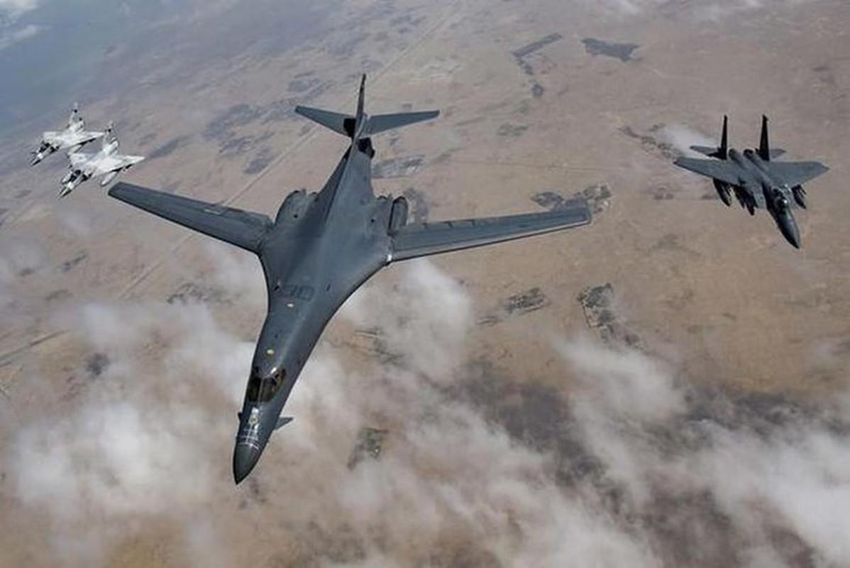 Nhiem vu dac biet cua may bay nem bom B-1B Lancer khi den Bien Dong-Hinh-8