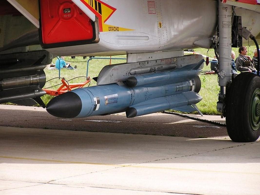 Venezuela de doa dung Su-30MK2 mang ten lua Kh-31 ban ha tau chien My-Hinh-10