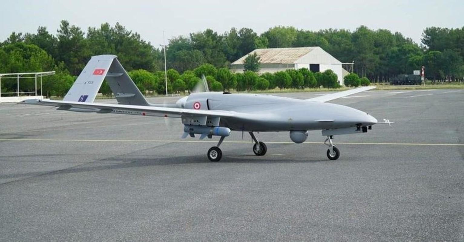 Tho Nhi Ky dung UAV