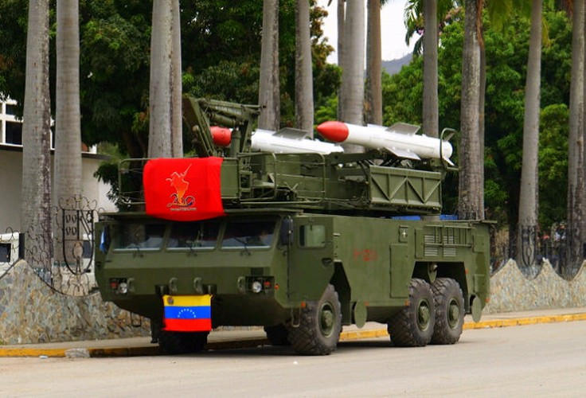 Venezuela trien khai loat to hop phong khong, san sang ha may bay My?-Hinh-10