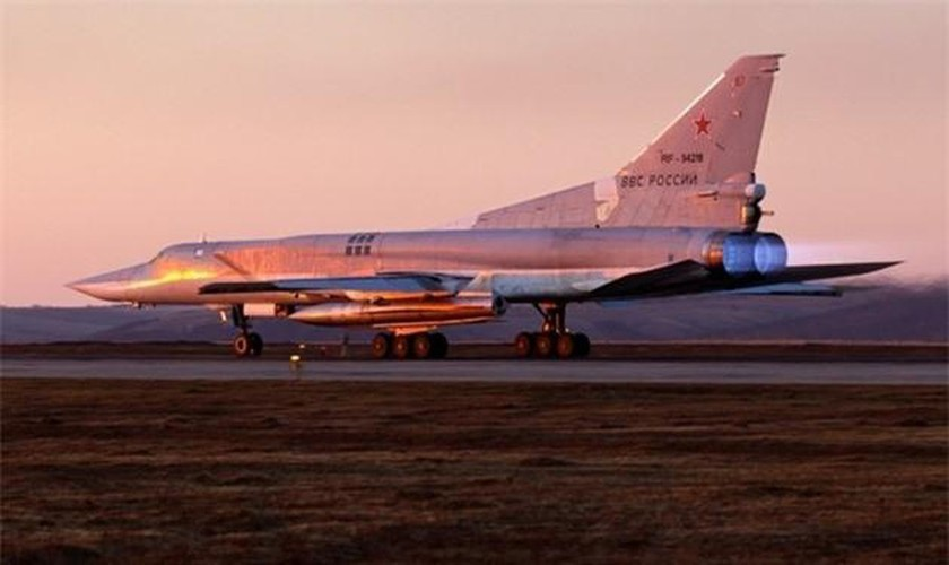 Khong phat trien may bay nem bom moi, Nga dat cuoc toan bo vao Tu-22M3M-Hinh-7