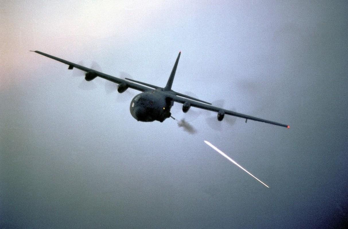 Cuong kich AC-130J cua My co them he thong vu khi laser cuc dang so-Hinh-17