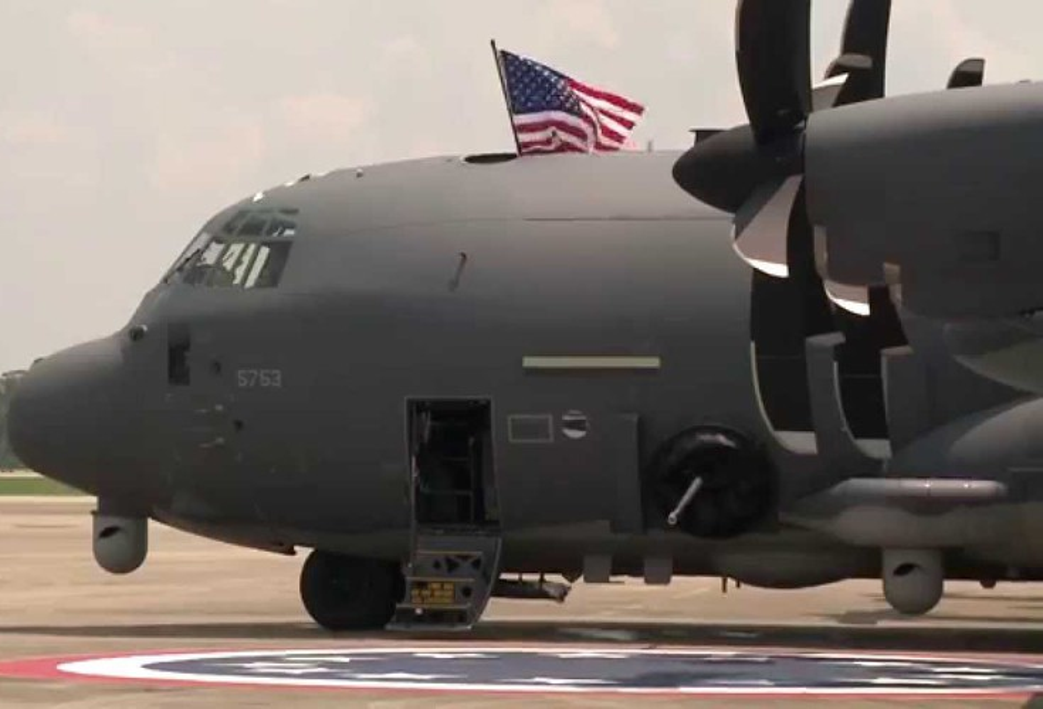 Cuong kich AC-130J cua My co them he thong vu khi laser cuc dang so-Hinh-7