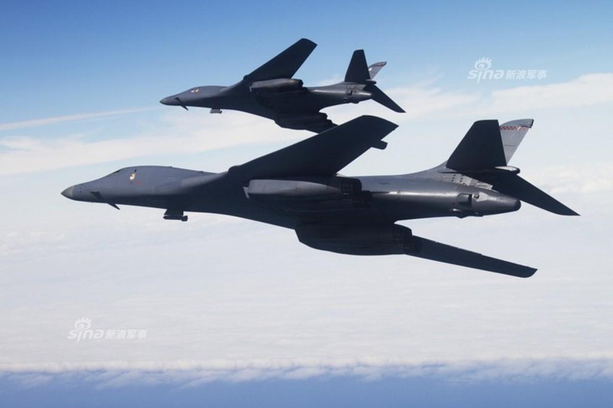 Can canh may bay Nga danh chan, ep oanh tac co B-1B Lancer chuyen huong-Hinh-9
