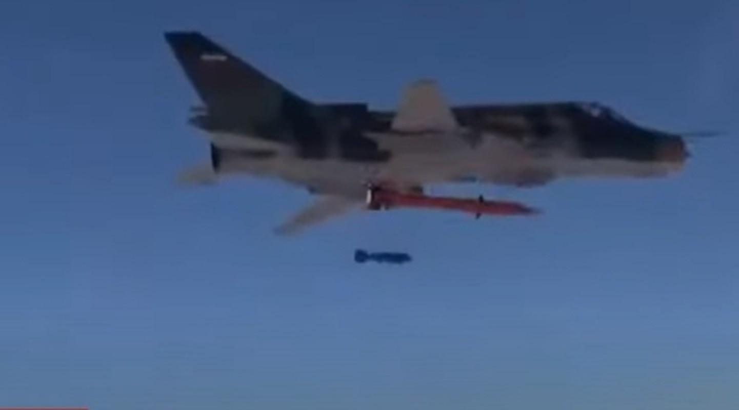 Mang ten lua dan dao Fajr-4, chien co Su-22 tang muon phan suc manh-Hinh-2