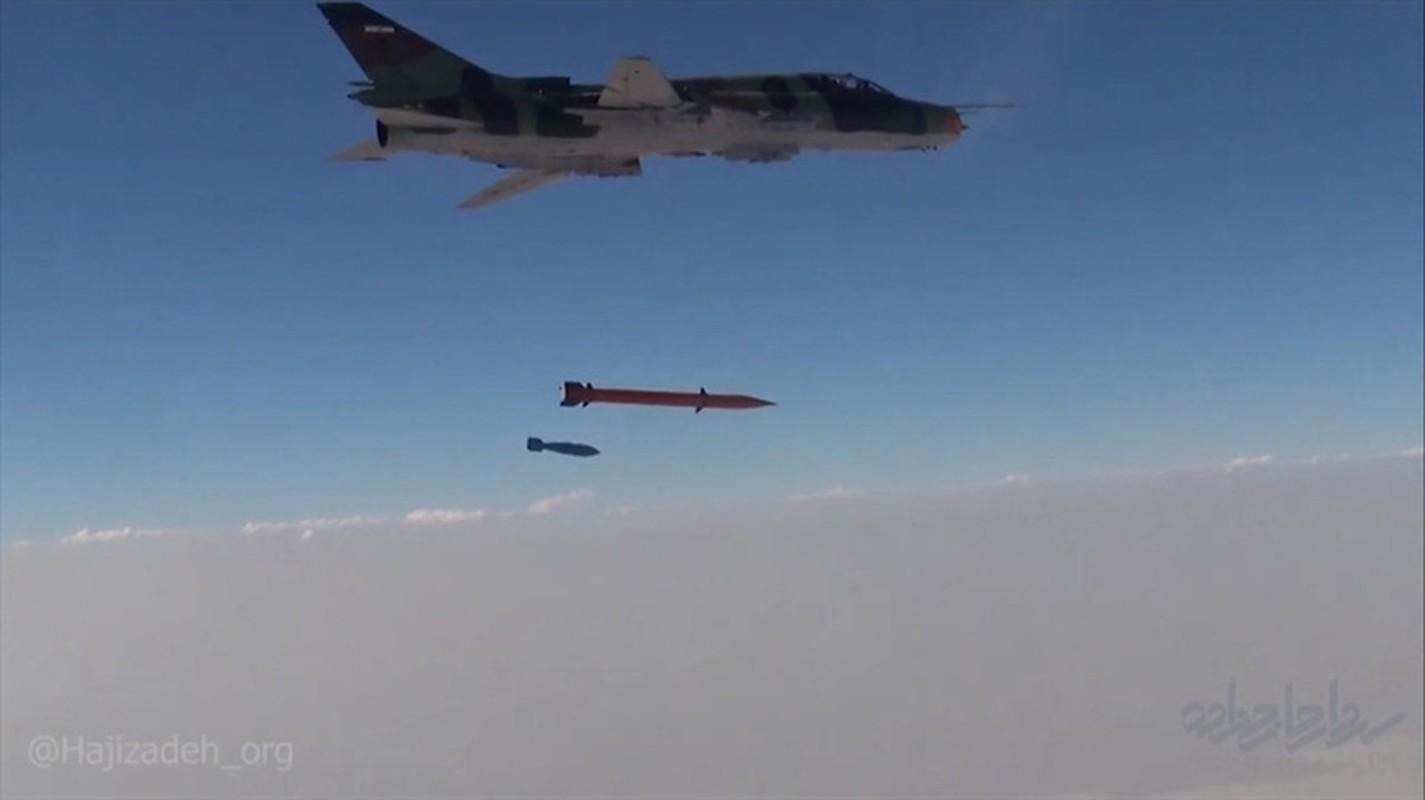Mang ten lua dan dao Fajr-4, chien co Su-22 tang muon phan suc manh-Hinh-3