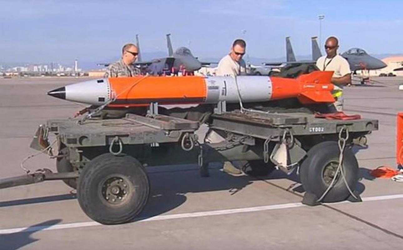 Nga phan ung lanh lung khi My thu bom hat nhan B61-12 tu F-15E-Hinh-10