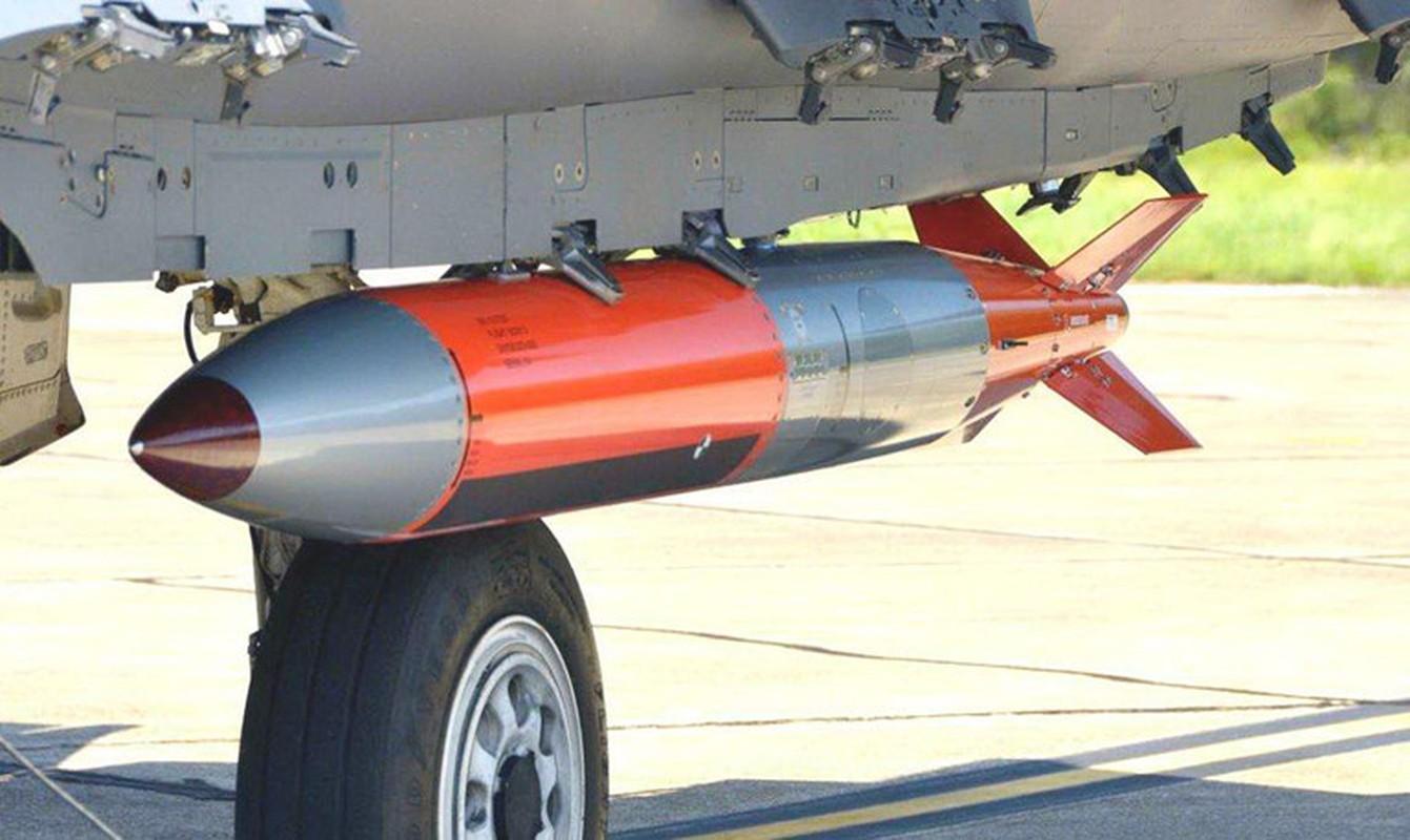Nga phan ung lanh lung khi My thu bom hat nhan B61-12 tu F-15E-Hinh-11