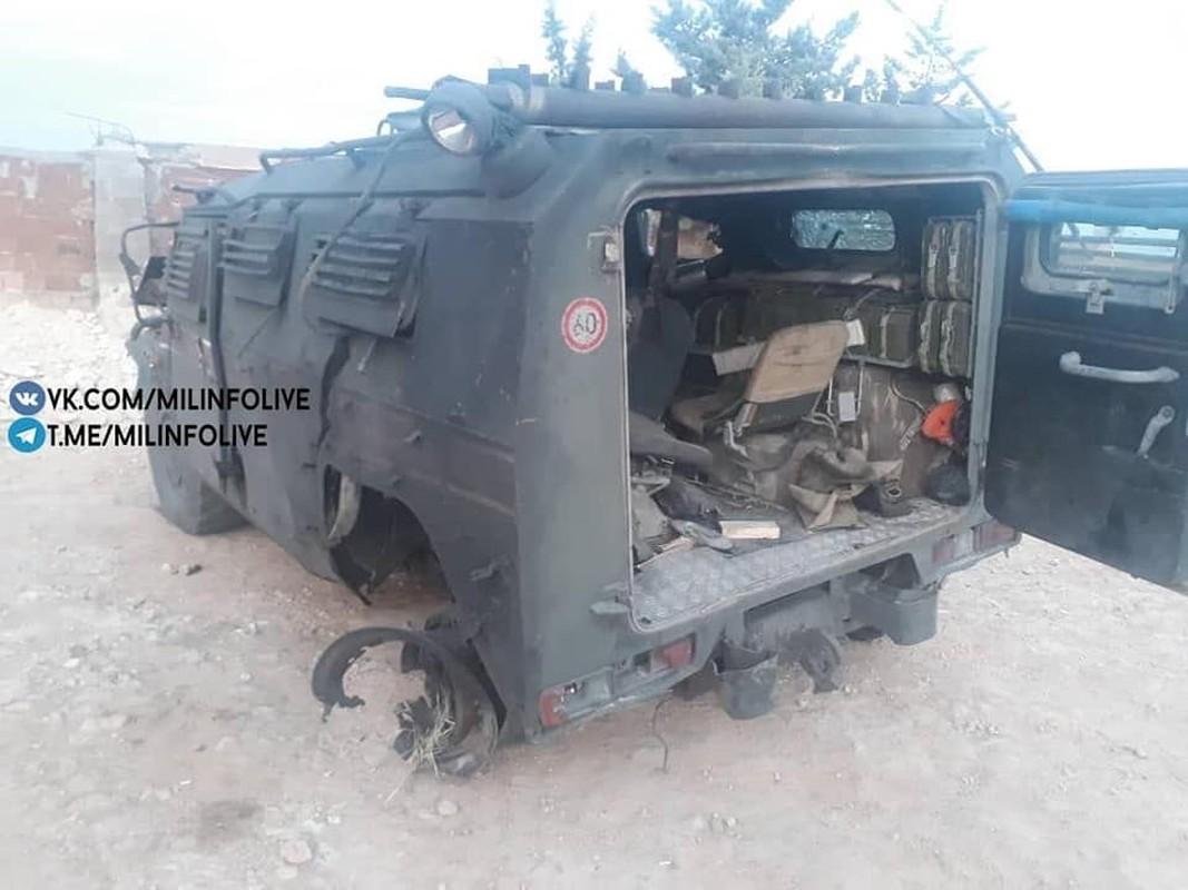Can canh xe quan canh Nga tanh banh vi trung bom cai o Syria-Hinh-3