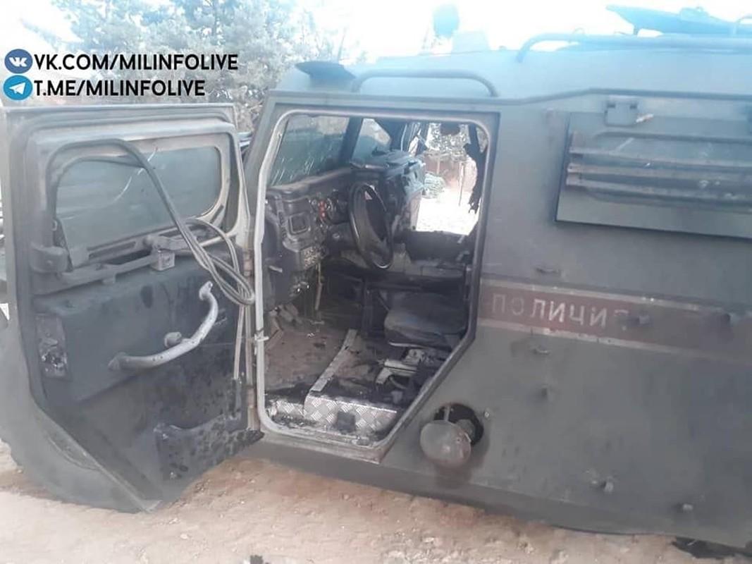 Can canh xe quan canh Nga tanh banh vi trung bom cai o Syria-Hinh-4