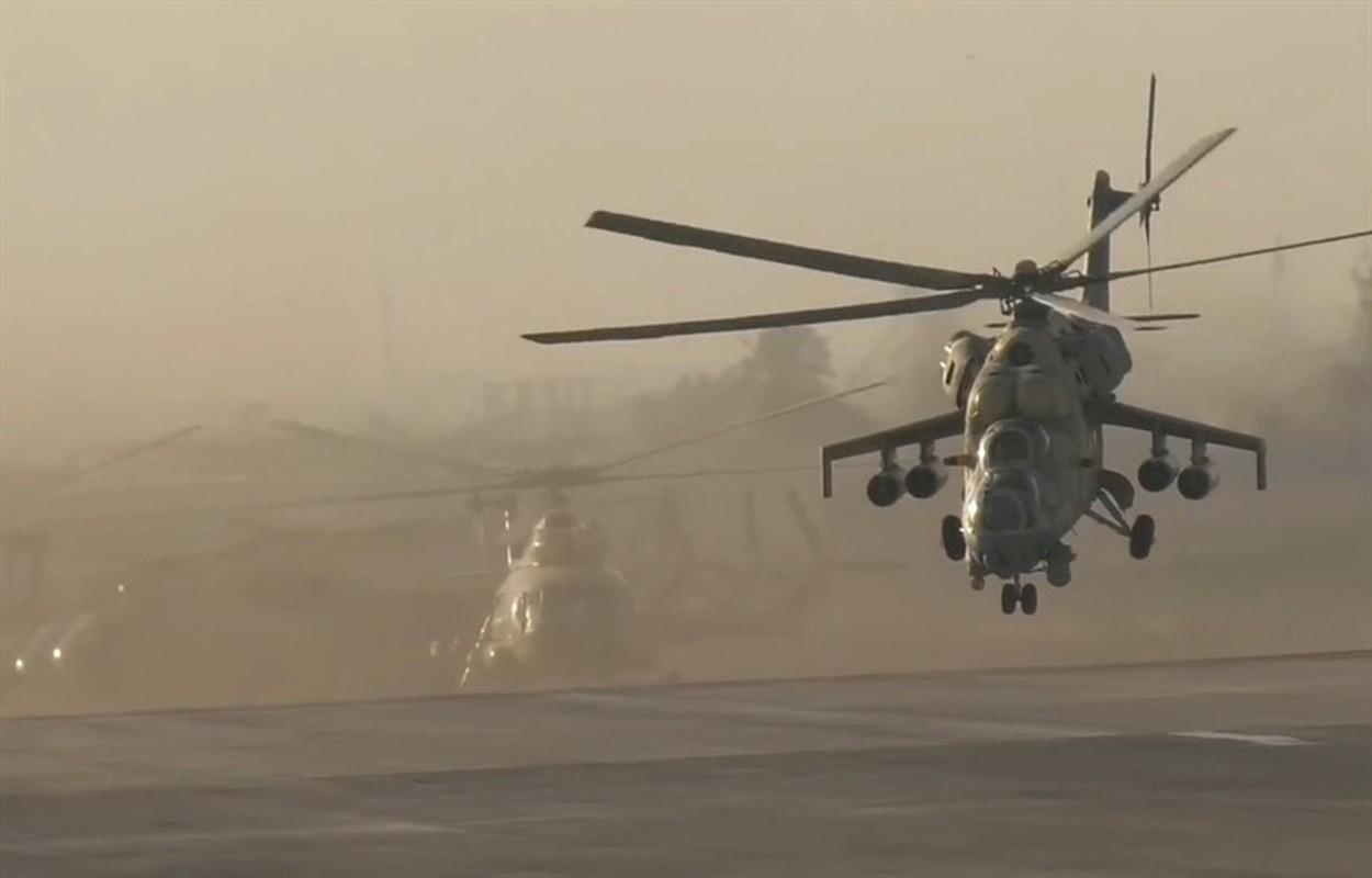 Soi truc thang Mi-24 Ai Cap mang rocket S-80 pho dien suc manh o Libya-Hinh-6