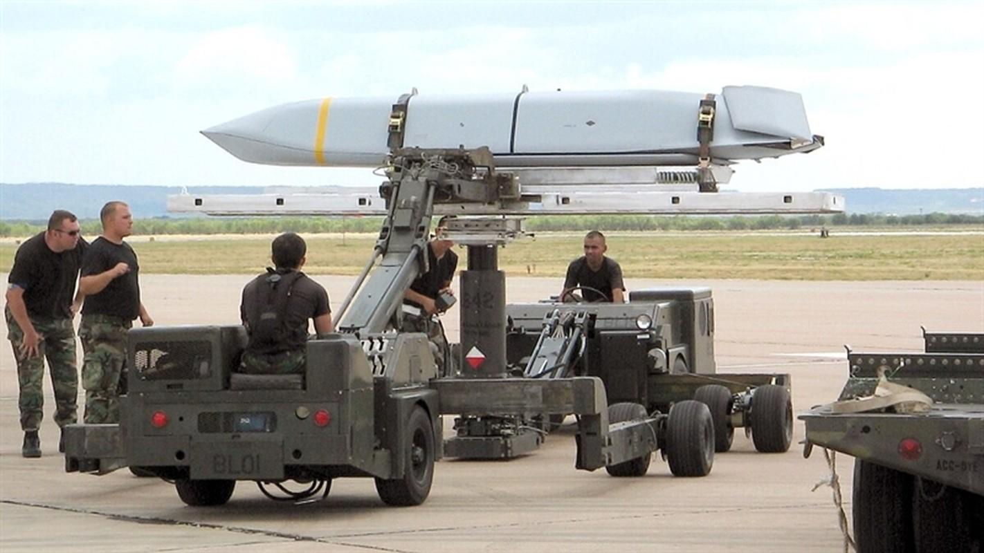 Ten lua JASSM ban nang cap cua My se bien S-400 Nga thanh
