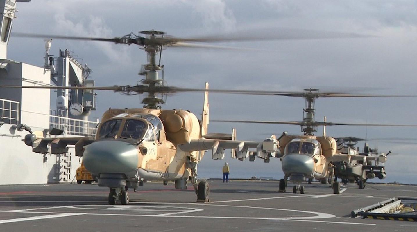 Man nhan dan truc thang Ka-52 tren boong tau do bo Mistral Ai Cap-Hinh-8