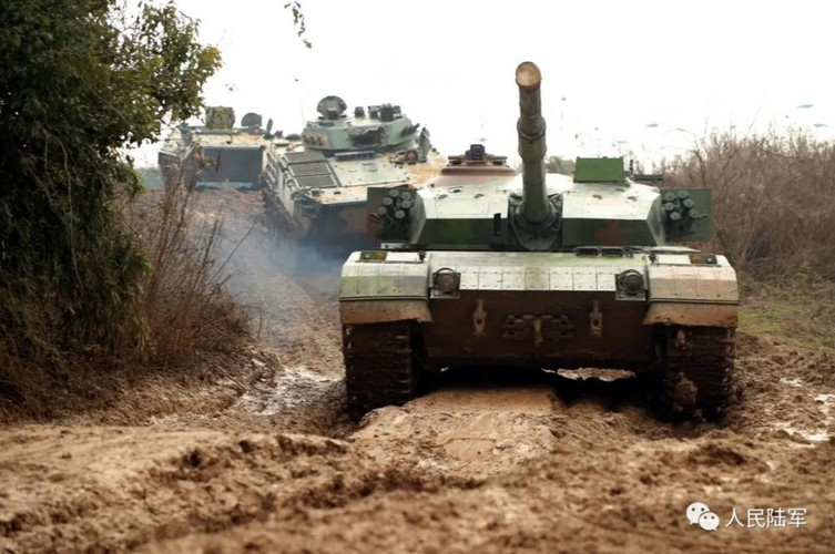 Xe tang chu luc Type-96 Trung Quoc tang suc ep len bien gioi An Do-Hinh-13