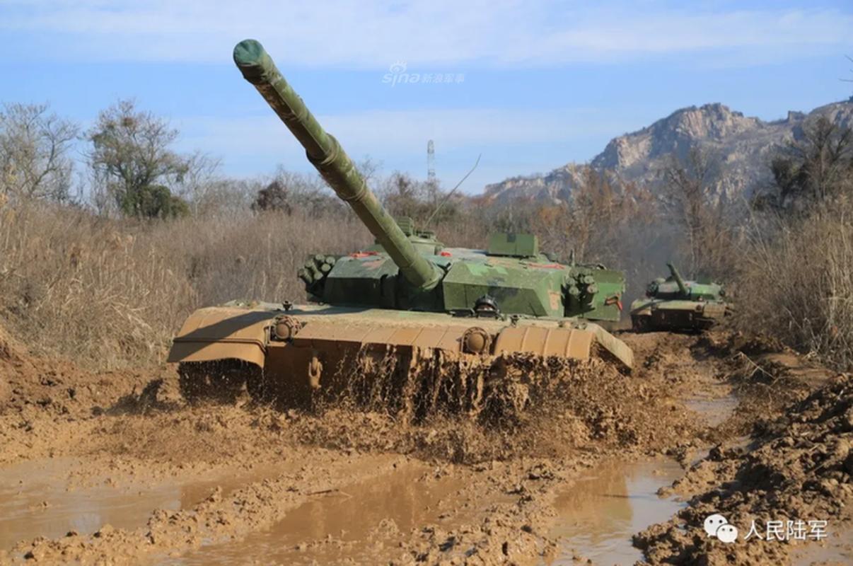Xe tang chu luc Type-96 Trung Quoc tang suc ep len bien gioi An Do-Hinh-3