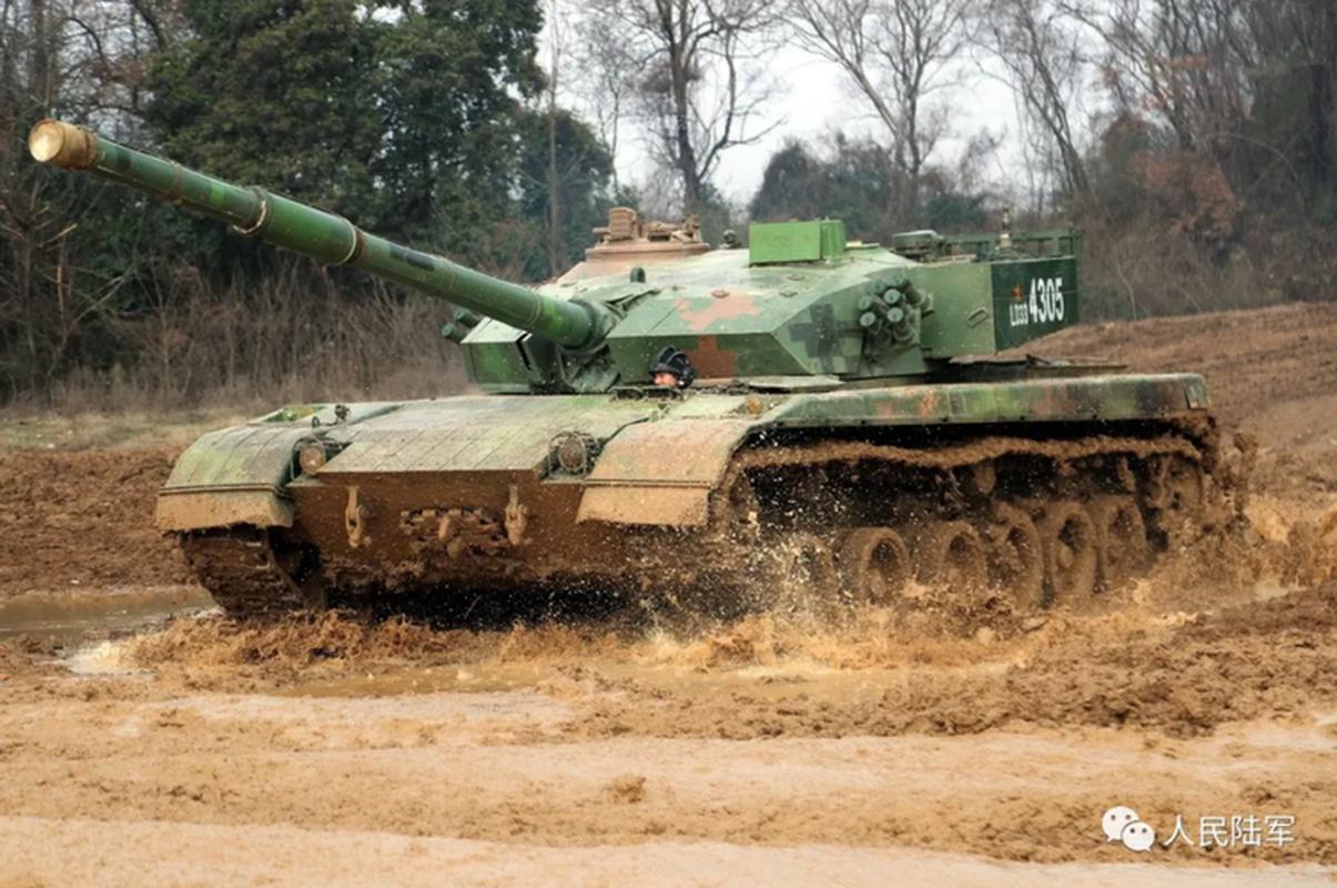 Xe tang chu luc Type-96 Trung Quoc tang suc ep len bien gioi An Do-Hinh-4