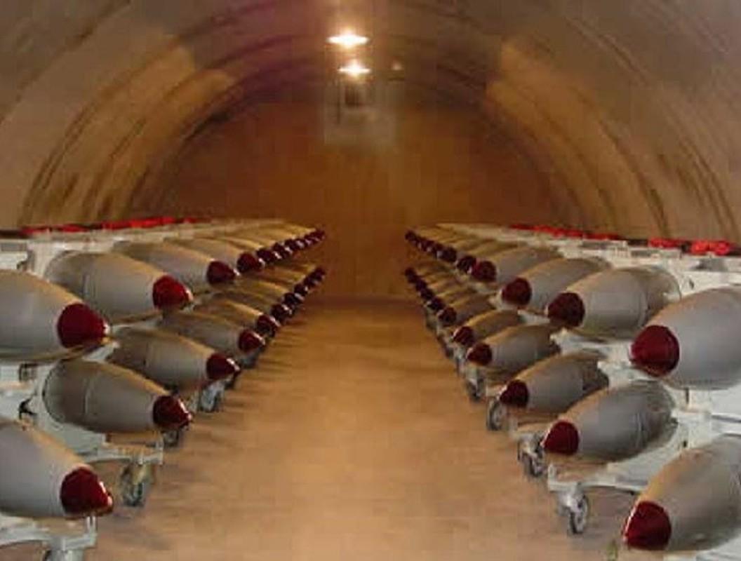 Man nhan xem tiem kich F-15E Strike Eagle tha bom hat nhan B61-12-Hinh-10