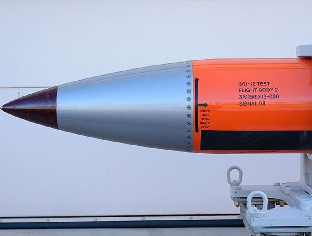 Man nhan xem tiem kich F-15E Strike Eagle tha bom hat nhan B61-12-Hinh-13