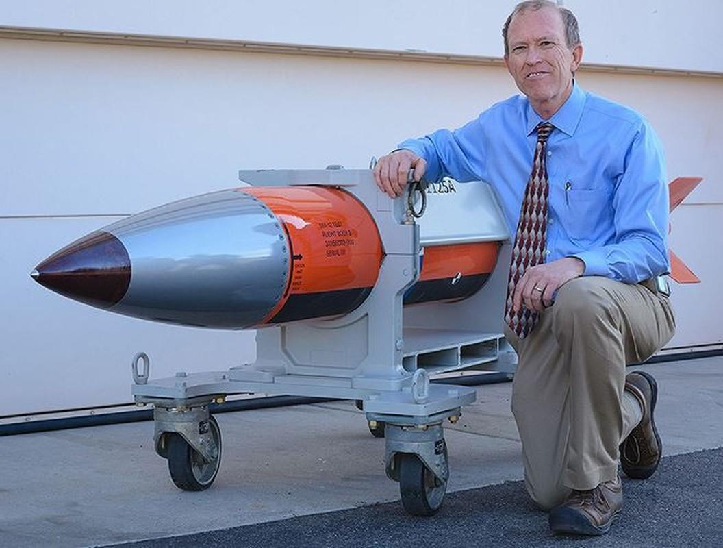 Man nhan xem tiem kich F-15E Strike Eagle tha bom hat nhan B61-12-Hinh-4