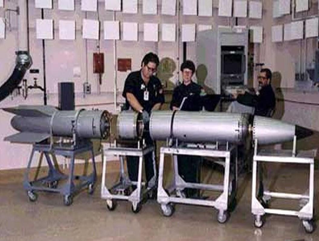 Man nhan xem tiem kich F-15E Strike Eagle tha bom hat nhan B61-12-Hinh-5