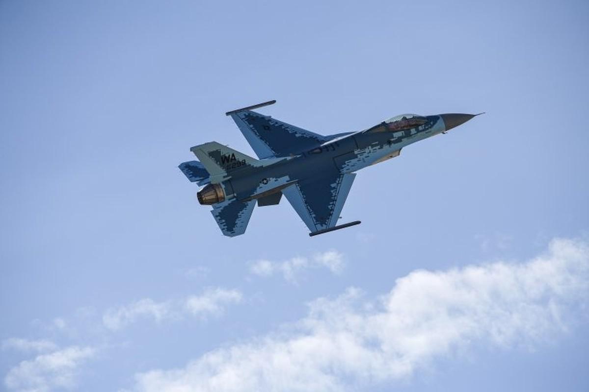 My cho tiem kich F-16 gia dang Su-57 Nga de tim cach khac che-Hinh-4