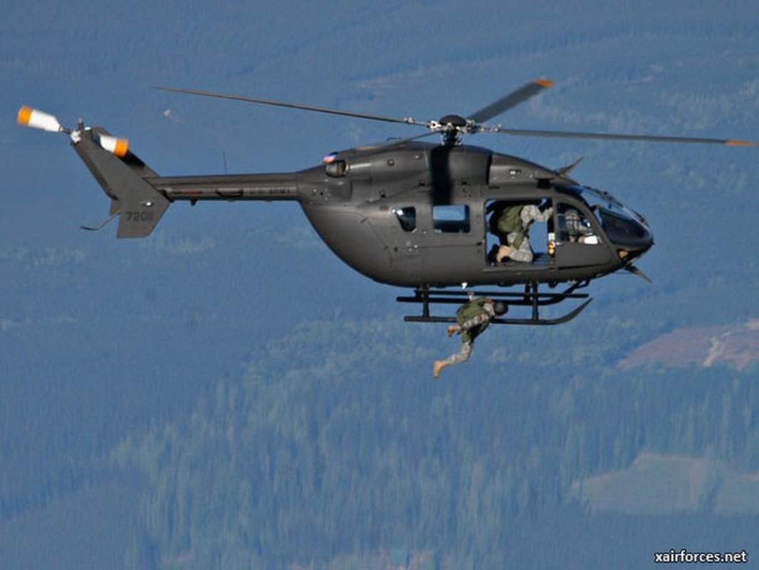 Truc thang UH-72 de doa nham nguoi bieu tinh My do menh lenh map mo-Hinh-5