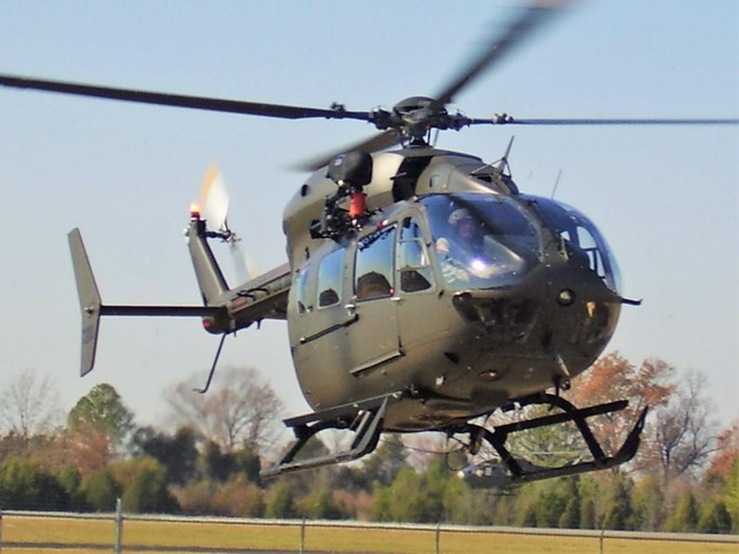 Truc thang UH-72 de doa nham nguoi bieu tinh My do menh lenh map mo-Hinh-8