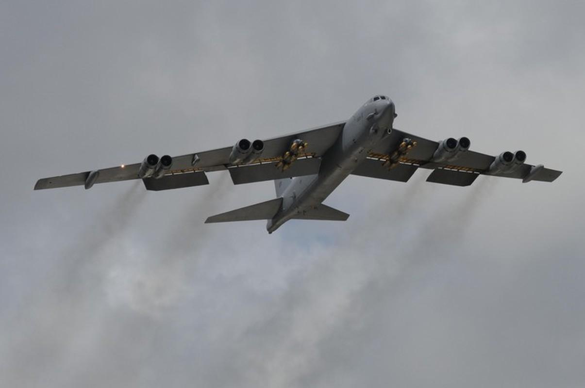 Bien doi B-52 My xam nhap bien Okhotsk, Nga dieu loat tiem kich giam sat-Hinh-17