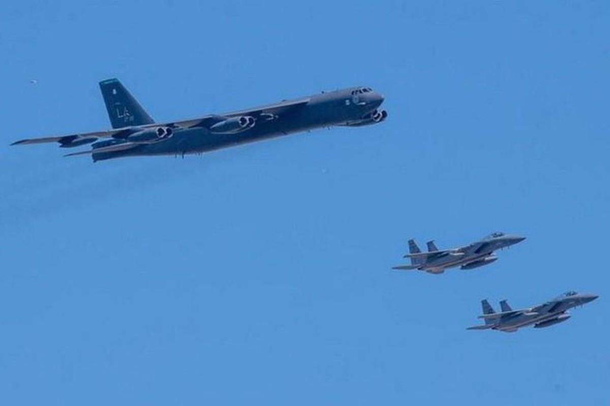 Bien doi B-52 My xam nhap bien Okhotsk, Nga dieu loat tiem kich giam sat-Hinh-19