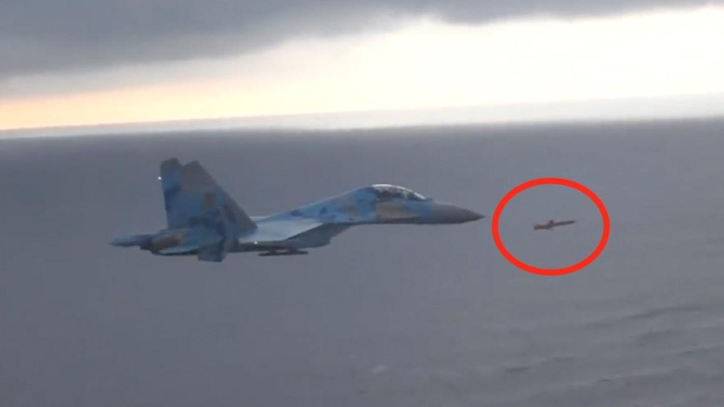 Ten lua R-360 Neptune cua Ukraine khien tac chien dien tu Nga