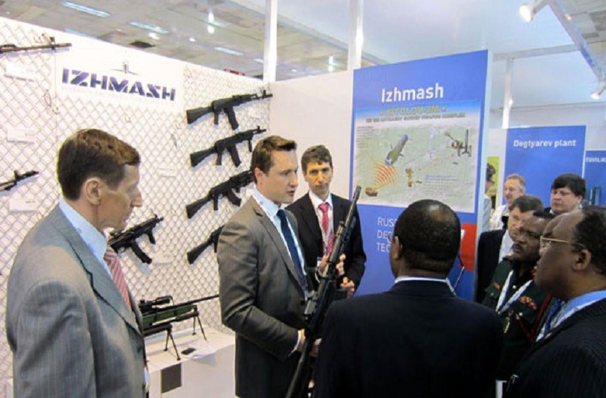 Sung truong AK-47 huyen thoai Lien Xo, Viet Nam: Nhung bi an it biet-Hinh-10