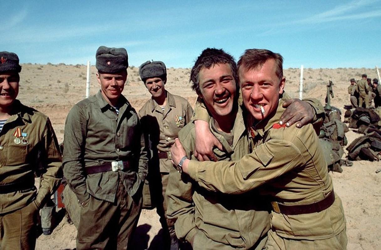 Hinh anh cuc doc ve binh si, vu khi Hong quan Lien Xo o Afghanistan-Hinh-14